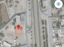 سكني تجاري 660م خط اول من الشارع العام صحم ام الجعاريف