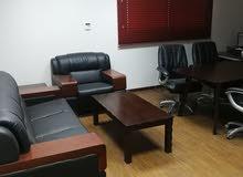 مكاتب شبه جديدة للبيع