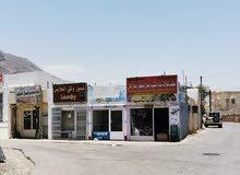 محل للإيجار مجهز بالديكور موقع الرمانية بولاية الرستاق جنب إشارات السوق