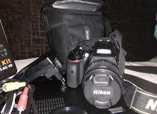 كاميرا نيكون D3500 بجميع ملحقاتها استعمال خفيف