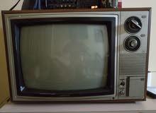 تلفزيون قديم نوع توشيبا ملون للبيع