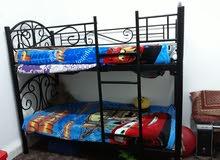 سرير  طابقين  190×90 للبيع استعمال شهر    وسرير مفرد ب25 ومع الفرشه 45
