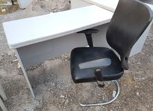 طقم طاولة رصاصية مع كرسي صحي مميز