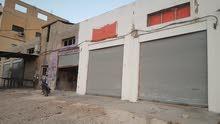 مخازن للبيع مبنيات على ارض مساحتها 1600متر