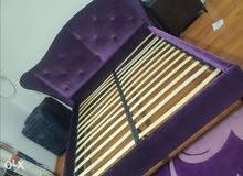 للبيع سرير امريكي ديزاين جميل جدا بدون مترس للتواصل