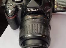 nikon d5200 (with box and all) same like new
