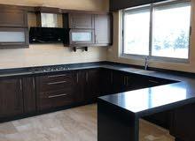 شقة فاخرة 200م+روف110م مكرمد +ترس 48م درج داخلي جديدة مطبخ راكب من طهبوب