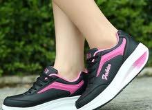 أحذية رياضية بطلب نسائية