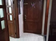 شقة طابق ثالث مساحة 172م للبيع/ شارع الاستقلال 52