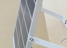 كشافات الطاقه الشمسيه قوة 200 واط جديدة ضمان سنه