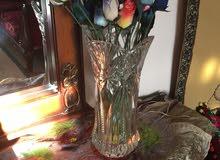 مزهرية كريستال مع 26 ورده من الخشب