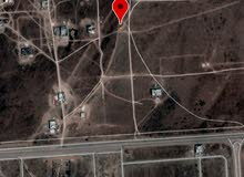 ارض للبيع في جرزيز رقم 1090في مربع أ قدمه parking car عدد الطوابق 2