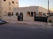 منزل في ابو علندا مساحة الارض 907 متر ومساحة البناء 530 متر