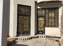 بيت طابقين مع شقه خارجيه في ياسين خريبط