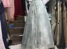فستان للبيع ماركه جديده للعرس ولحفلات