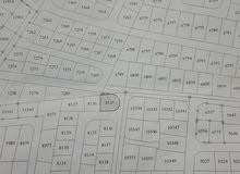 ارض للبيع في حي المسامير على ثلاث شوارع