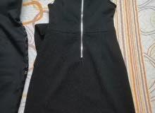 للبيع فستانين اسود الطول للركبة القياس 40لل42 وفستان نيلي باييت
