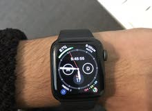ساعة ابل الجيل الرابع series 4 مقاس 40mm بحالة الوكالة( بسعر مميز)