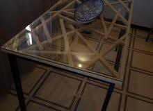 طاولة غرفة جلوس