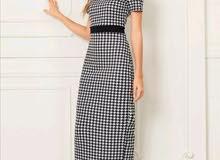 فستان مخطط بأكمام قصيرة