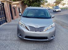 For sale Toyota Sienna 2012 LE automatic door, rear camera, cruise control, very