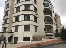 شقة للبيع في منطقة الجبيهة (مقابل قصر الأميرة بسمة) بموقع مميز على ثلاثة شوارع