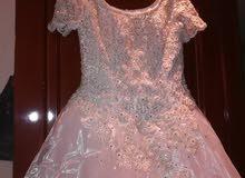فستان عرس للبيع ب 60 الف فقط شبه جديدة
