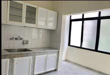 شقة للإجار منفوضة جديد ويوجد خزان حديث بالارضي مع اتوماتيك على خزانين داخل الشقة