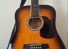 جيتار  بحالة ممتازة للبيع Acoustic Guitar for sale قابل للتفاوض