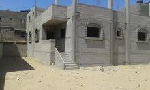 منزل على شكل فيلا مع أرض للبيع بخانيونس