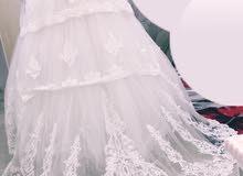فستان للبيع او للأجار