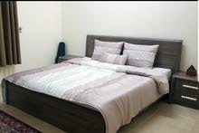 اثاث / سرير خشب كنغ مع الطاولات الجانبية والماتريكس