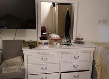 King bedroom with serta mattress