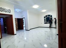 شقه للإيجار جديده سرميك سوبر لوكس ب 120 الف صنعاء شارع الخمسين بيت بوس