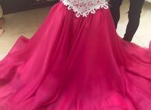 فستان خطوبة من مصمم ازياء بدبي للبيع المستعجل بسعر رمزي