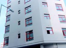 للإيجار شقة في الحد بالقرب من جسر الشيخ خليفة من 3 غرف
