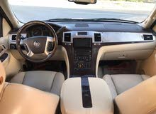 Used condition Cadillac Escalade 2007 with +200,000 km mileage