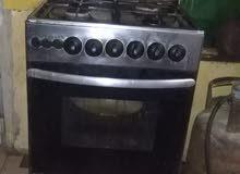 طباخ نضيف شغال مع قناني2    175