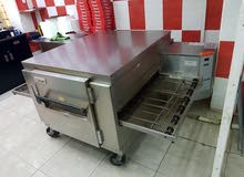 pizza oven is lincoln company is good condition