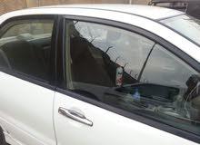 سائق لدية سيارة لانسر للإيجار