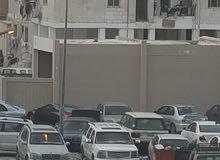 سيارة (انفوي) كبيرة لتوصيل عمال الي الوفرة او اي مكان .