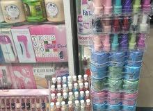 بيع جميع انواع العطور و مواد التجميل