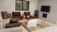 شقة للبيع في ضاحية الامير راشد بلقرب من نادي السيارات الملكي و موقع هادى