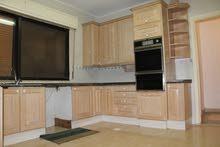للايجار شقة فارغة سوبر ديلوكس في منطقة الصويفية 3 نوم مساحة 180 م² - ط ثالث