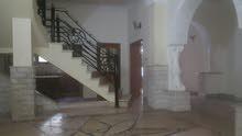 منزل نظيف دورين في شارع الصريم للايجار