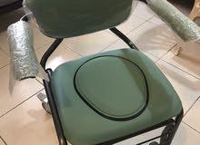 كرسي حمام متحرك بعجلات لكبار السن