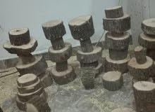 خشب بلوط يصلح للحرفين والمكتات والمناضر والكراسي وطاولات