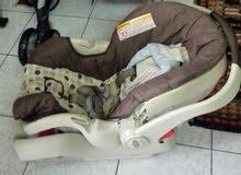 مقعد سيارة اطفال