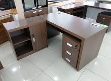 مكاتب بعدة مقاسات وموديلات مختلفة