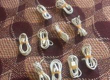سلك ايفون اصلي من الكرتون الكميه حوالي 6 حبات